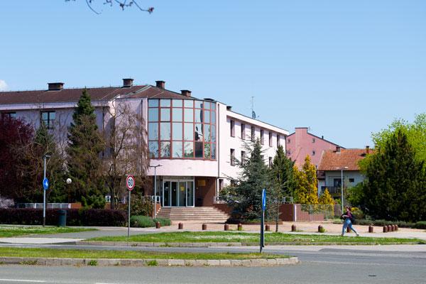 Učenički dom T. Ujevića